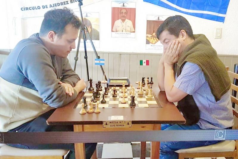 """Gilberto Hernández fue campeón en el """"Festival de Ajedrez"""" en Río Tercero"""