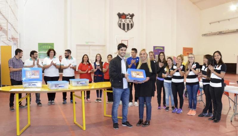 """La ULP brindó una capacitación y entregó kits de robótica en la Escuela Generativa """"Corazón Victoria"""""""