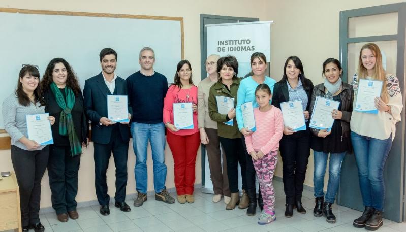 Alumnos del Instituto de Idiomas de la ULP  recibieron certificados internacionales en inglés