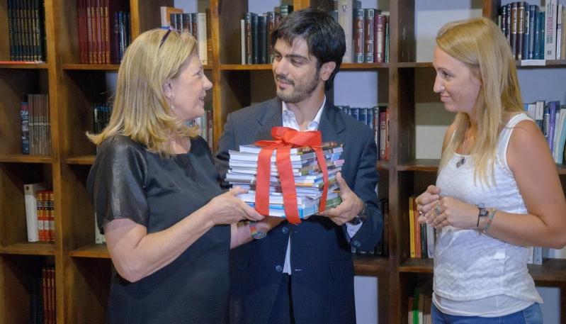 """La ULP suma su aporte a la biblioteca """"Los libros de Charly"""""""
