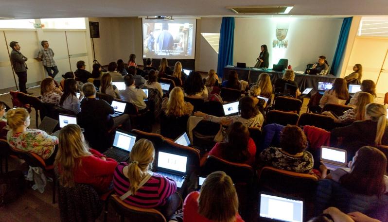 Docentes de las Escuelas Públicas Digitales de Adultos participaron de una capacitación en la ULP
