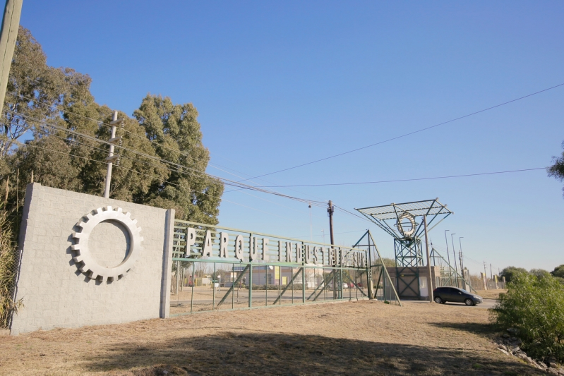 Se tendieron 11 mil metros de fibra óptica para darle conectividad a los parques industriales