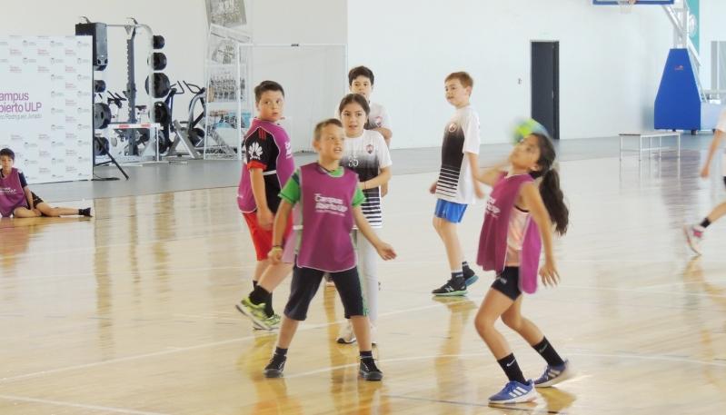 El mini handball crece desde el Campus Abierto ULP