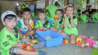 """Los chicos del Club ASEBA aprenden jugando con """"Robótica de Verano"""""""