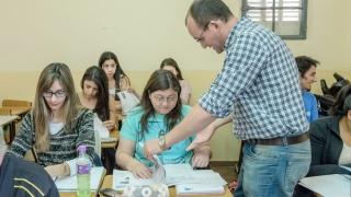 Más de 2000 puntanos aprenden  una segunda lengua en la ULP