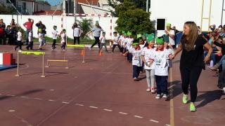 """Se realizó una muestra de educación física y arte en la Escuela Pública Digital """"Albert Einstein"""""""
