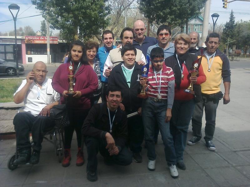 Ajedrecistas ciegos y disminuidos visuales de la ULP triunfaron en Mendoza