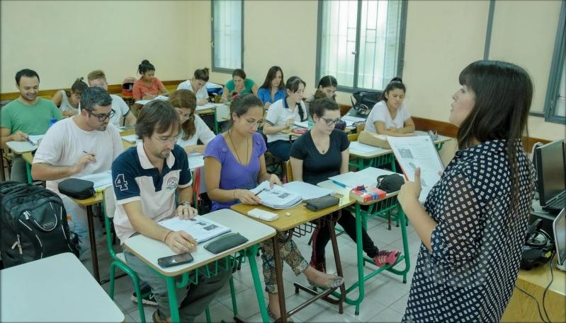 Comenzaron los seminarios de historia  y literatura del Instituto de Idiomas