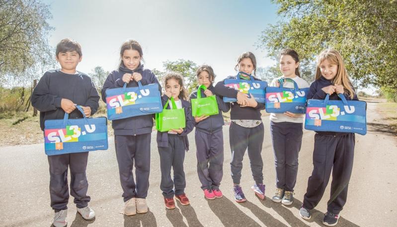 Chicos y docentes del Hogar Escuela de Alto Pelado ya tienen sus tablets y netbooks