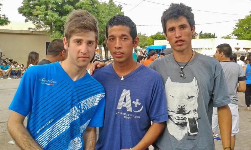Tres amigos, un mismo desafío: terminar el secundario