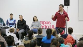 El oro olímpico Sebastián Crismanich motiva y enseña a los jóvenes en el Campus de la ULP
