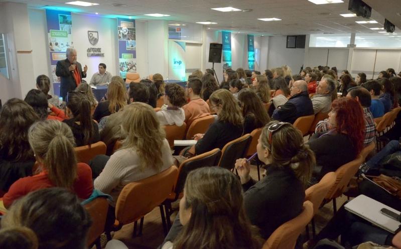 Con una clase sobre salud mental en Argentina, el IESP inicia las actividades 2015