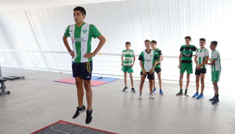Las evaluaciones deportivas en el Campus incorporaron el fútbol y el básquet