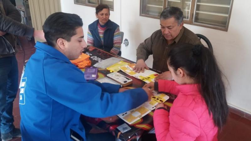 Los Foldscope y las tabletas llegaron a los parajes del Departamento Ayacucho