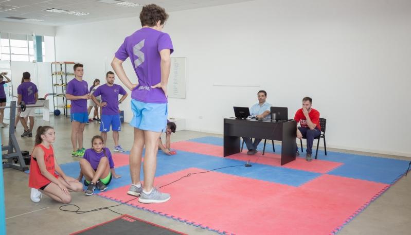 Nadadores del Sierras Club fueron evaluados en el Campus