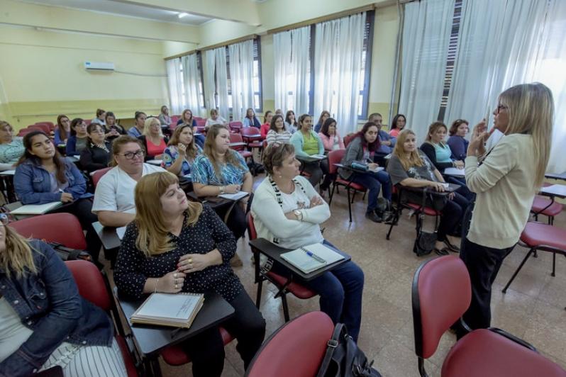 Inició el taller de Comunicación para el personal administrativo del sistema de salud pública