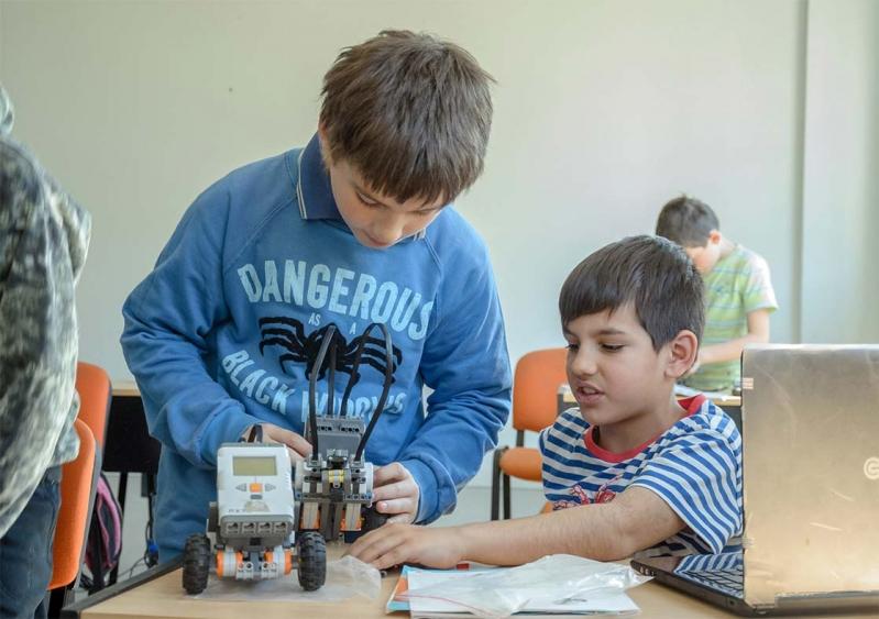 Los talleres de robótica de la ULP siguen recorriendo la provincia