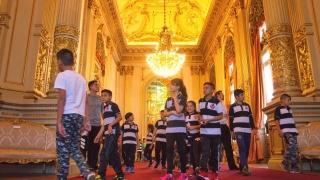 """Los alumnos de la escuela """"Corazón Victoria"""" conocieron el Teatro Colón y el Congreso de la Nación"""