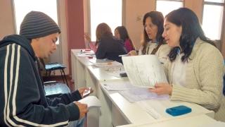 Los alumnos del PIE empiezan a recibir su material de estudio