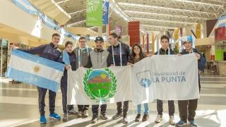 Robocup 2018: seis puntanos emprendieron su viaje a Canadá en busca del sueño mundial
