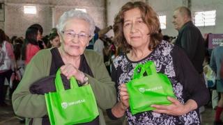 Alumnos y jubilados de Potrero de los Funes y Buena Esperanza recibirán su dispositivo