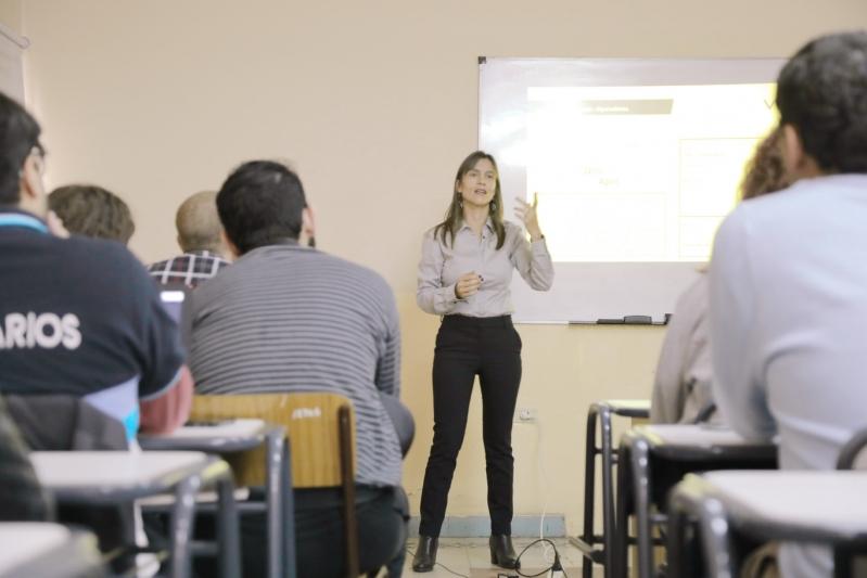 Estudiantes en la Tecnicatura Universitaria en Desarrollador de Software participaron de la capacitación de bases de Datos OLAP