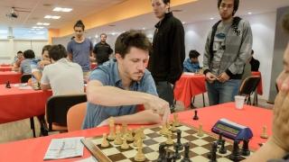 Diego Flores y Tomás Sosa lideran los torneos magistrales de la ULP