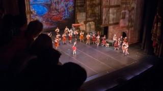 Alumnos de diez parajes de la provincia disfrutan del Teatro Colón, el Planetario, el barrio La Boca y otros puntos de Buenos Aires