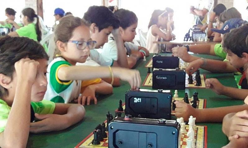 El ajedrez se vivió a pleno en la colonia del club ASEBA