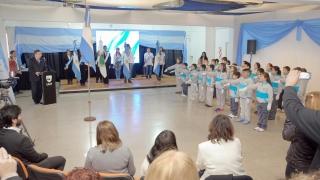 """""""¡Sí, prometo!"""": en un emotivo acto, más de 100  alumnos de las EPD juraron lealtad a la bandera"""