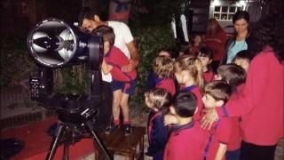 La astronomía fue parte de una noche especial en el Instituto Santa Catalina