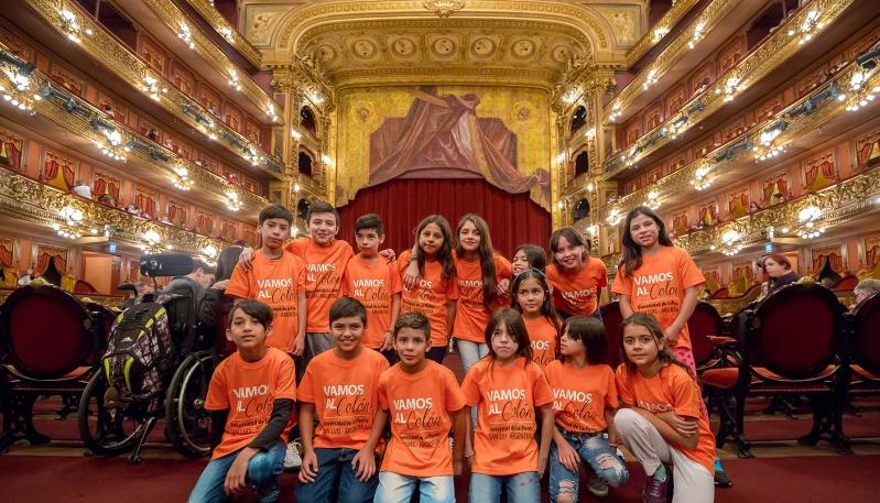 En su primer día, los chicos de la Escuela Misiones visitaron el Teatro Colón y el Congreso de la Nación