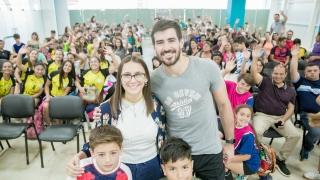 Sebastián Simonet capacita sobre handball en el Campus de la ULP