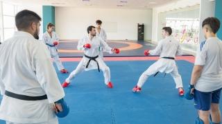 Recouso, ex multicampeón de karate, entrenó en el Campus ULP