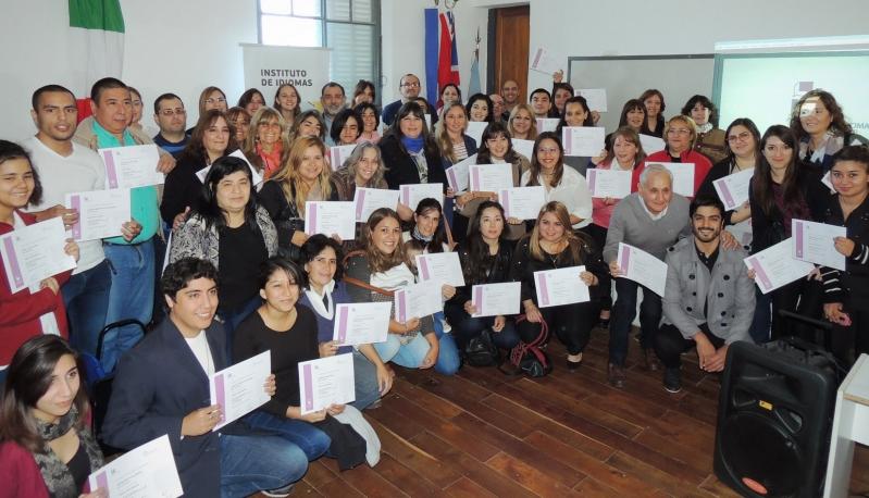 Alumnos del Instituto de Idiomas de la ULP recibieron sus certificados