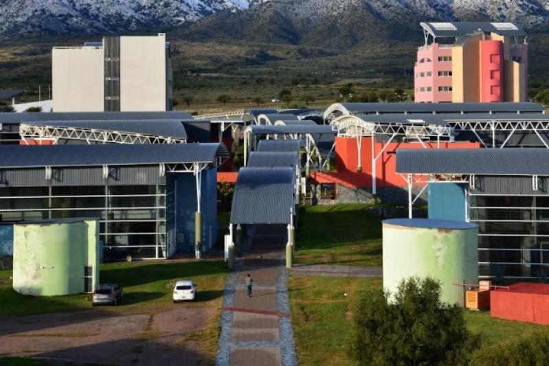 La Universidad de La Punta adhirió a los tres días de duelo