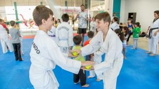 Encuentro de taekwondo infantil en el Campus