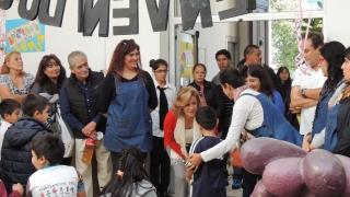 """La Escuela Pública Digital """"Albert Einstein"""" festejó su sexto aniversario con una kermés"""