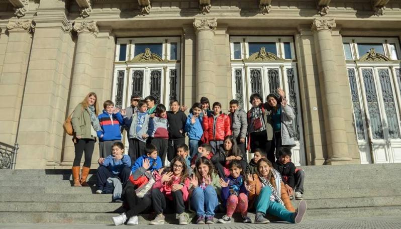 Crónica de un viaje cultural: alumnos puntanos  de recorrida por el Colón y el Congreso de la Nación