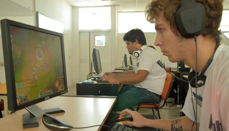 Estrategia, trabajo en equipo y adrenalina en la definición del torneo de League of Legends