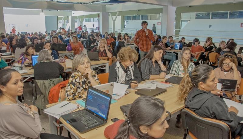 Cerca de 300 docentes del PIE se capacitan en la ULP