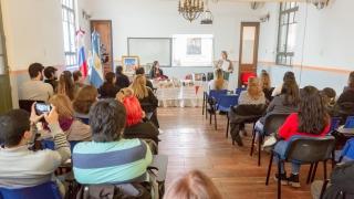 Café literario: a sala llena se debatió sobre literatura rusa