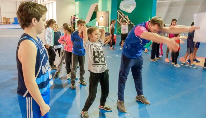 Evalúan y proyectan a los deportistas de las escuelas de iniciación y desarrollo deportivo del Campus