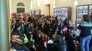 Más de 200 docentes se capacitaron para llevar poesía a las aulas
