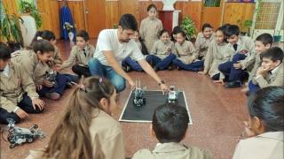 Aprender jugando: más de 150 alumnos de San Francisco y Quines se acercaron a la robótica