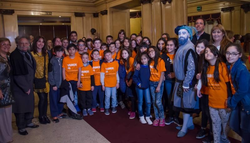 "Vamos al Colón: alumnos de la Punta  presenciaron la obra ""La Cenicienta"""