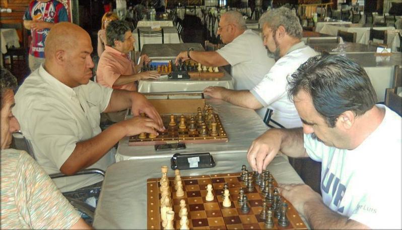 Destacada actuación de los ajedrecistas ciegos y disminuidos visuales de la ULP