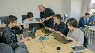Desarrollador de Software, la tecnicatura de  la ULP que es sinónimo de inserción laboral