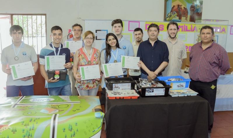 La escuela Fray Luis Beltrán fue distinguida  por su participación en la Roboliga Provincial