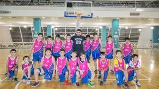 Los pequeños basquetbolistas del Campus reciben a Española